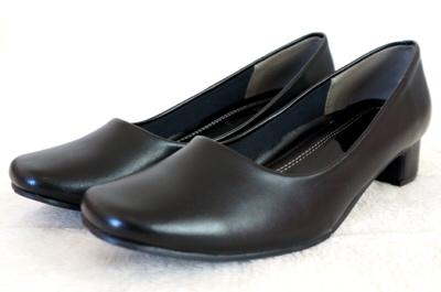 葬儀 喪服 靴